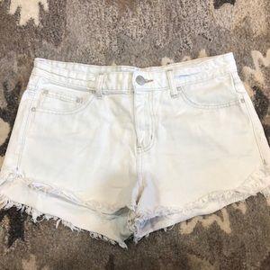 light wash Free People jean shorts!!